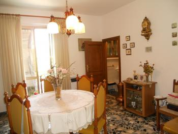 Habitable townhouse with garage for sale in Abruzzo. Img8