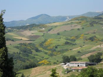 Habitable townhouse with garage for sale in Abruzzo. Img1