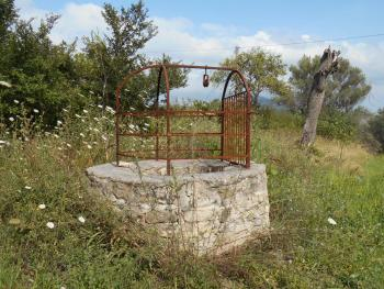 Stone house to restore, with orchard. Guilmi. Abruzzo. Img11