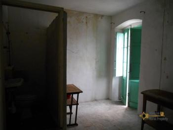 Character stone house for sale in Mafalda. Molise. Img9