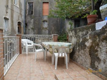 Townhouse with terrace, garden and two cellars. Mafalda. Img1