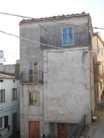 Townhouse with terrace for sale. Celenza Sul Trigno. Img3