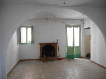 Townhouse with terrace for sale. Celenza Sul Trigno. Img4