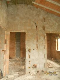 Villa with land to complete, at 15 km from the beach. Img13