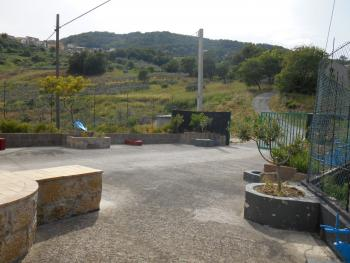 Farmhouse with 3,6 hectares of land. Dogliola. Abruzzo. Img8