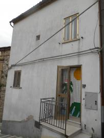 Habitable town house in Abruzzo. San Buono. photo 1