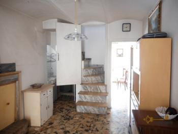 Habitable town house of 100 sqm for sale, with cellar and outdoor space. Italy | Abruzzo | Palmoli . € 33.000 Ref.: PA0085 photo 4