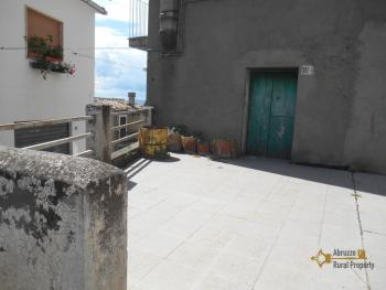 Town house with outdoor space. Palmoli. Abruzzo. Img2