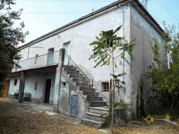 Country house with olive grove for sale in Atessa. Abruzzo.