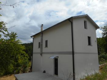 House with garden in the National Park of Abruzzo. Roccamorice. Img4