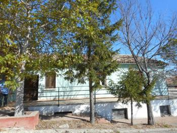 Large country house with garden for sale near Palmoli. Img1