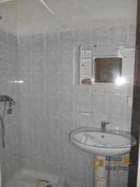 Town house with small terrace and garage for sale in Molise. Img8