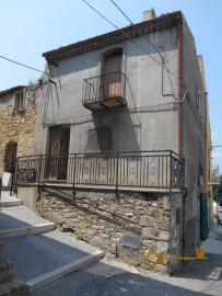 Town house with small terrace and garage for sale in Molise. Img12