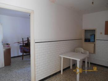 Town house with small terrace and garage for sale in Molise. Img9