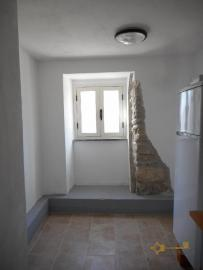 Restored stone house with land. Roccascalegna. Img6