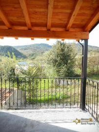 Restored stone house with land. Roccascalegna. Img12