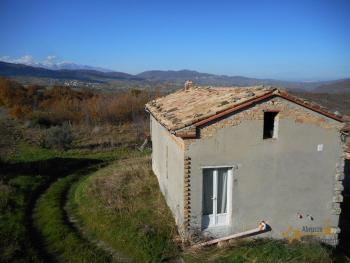 Country house with land and vineyard in Italy, in the town of Roccaspinalveti. Abruzzo . € 29.000 Ref.: RS8817 photo 19
