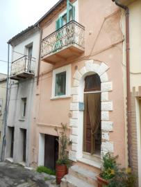 Two houses for sale in Mafalda, one needs restoration. Img1