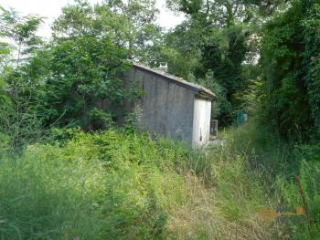 Characteristic cottage surrounded by 4600 sqm of land. Img4