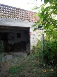 Characteristic cottage surrounded by 4600 sqm of land. Img10