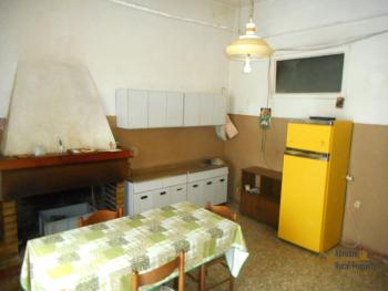 Large townhouse with terrace for sale. Casalanguida. Img7