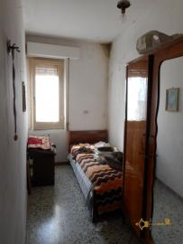 Large townhouse with terrace for sale. Casalanguida. Img21