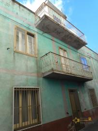 Large townhouse with terrace for sale. Casalanguida. Img24