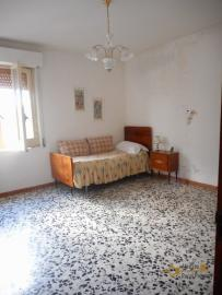 Large townhouse with terrace for sale. Casalanguida. Img17