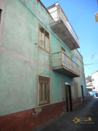 Large townhouse with terrace for sale. Casalanguida. Img23