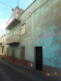 Large townhouse with terrace for sale. Casalanguida. Img22