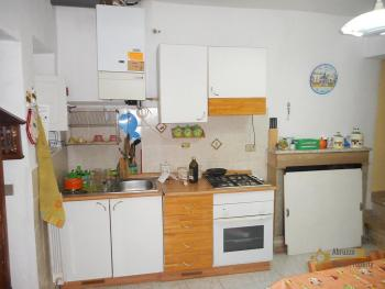 Recently renovated town house in Mafalda. Molise. Img4