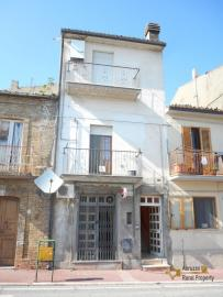 Large town house in Furci, Abruzzo. Img1