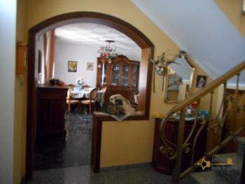 Large stone house for sale. Roccaspinalveti. Abruzzo. Img9
