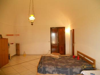 Large town house with land in Casalanguida, Abruzzo. Img10
