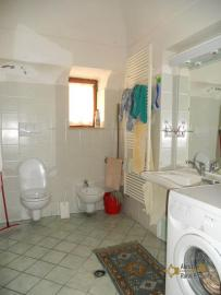 Large town house with land in Casalanguida, Abruzzo. Img11