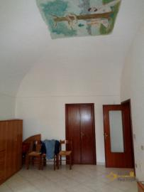Large town house with land in Casalanguida, Abruzzo. Img14