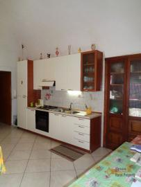 Large town house with land in Casalanguida, Abruzzo. Img6