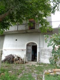 Large town house with land in Casalanguida, Abruzzo. Img15