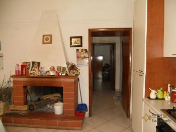Large town house with land in Casalanguida, Abruzzo. Img3