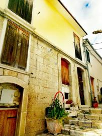 Characteristic town house with terrace. Trivento. Molise. Img1