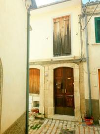 Characteristic town house with terrace. Trivento. Molise. Img3