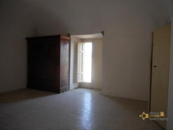 Beautiful character apartment for sale. Palmoli. Abruzzo. Img20