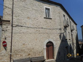 Beautiful character apartment for sale. Palmoli. Abruzzo.