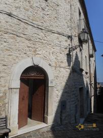 Beautiful character apartment for sale. Palmoli. Abruzzo. Img2