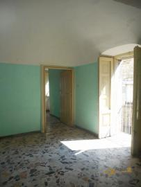 Beautiful character apartment for sale. Palmoli. Abruzzo. Img10