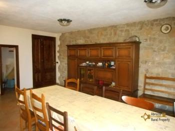 Beautiful villa completely made of stone for sale. Molise. Img27