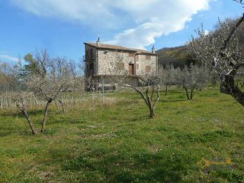 Beautiful villa completely made of stone for sale. Molise. Img14