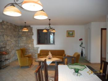 Beautiful villa completely made of stone for sale. Molise. Img20