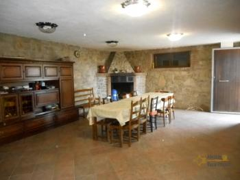 Beautiful villa completely made of stone for sale. Molise. Img25