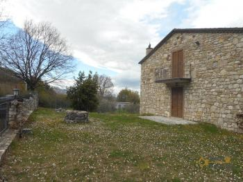 Beautiful villa completely made of stone for sale, with 4.400 sqm of land. Italy | Molise | Roccavivara . € 350.000 Ref.: RV6612 photo 8
